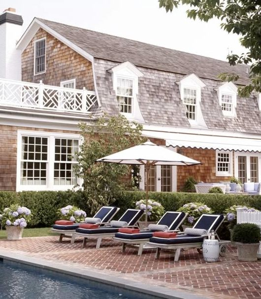 East coast vibes take the spotlight with this poolside shade spot